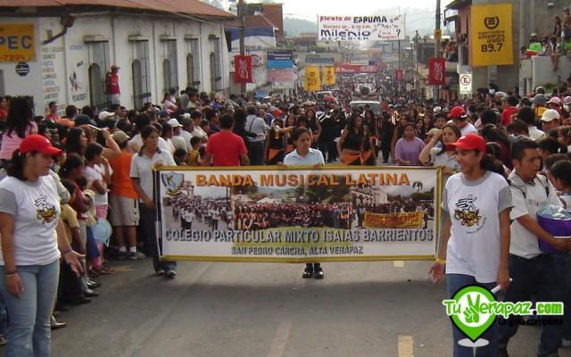 foto006-media-maraton-internacional-de-coban-desfile-2007