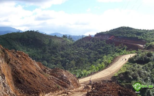 Mantenimiento de una carretera en la Carchá - Foto: Jorge M. Peláez Q.