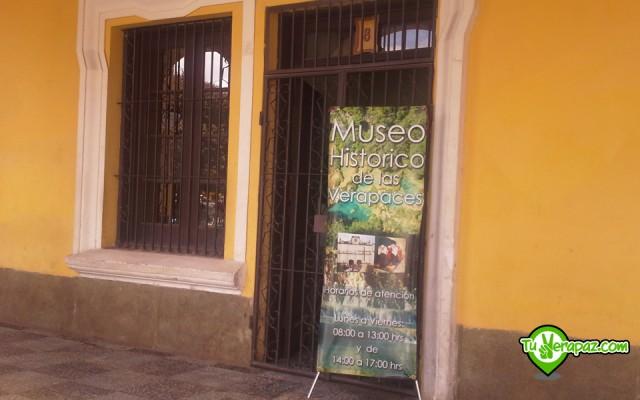 Entrada al Museo en el pasillo exterior del Palacio de Gobernación