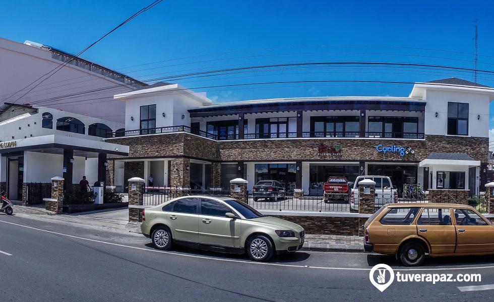 oficinas de maycom en el segundo nivel de plaza san martin coban
